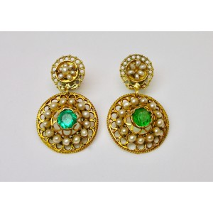 Gold earrings with natural pearls and green paste