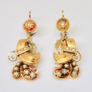 19th Century earrings in gold and pearls
