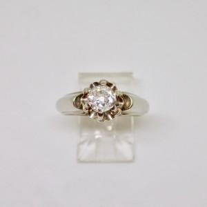 1940s solitarie diamond engagement ring