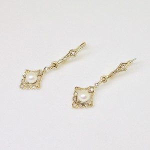Deco earrings with rose cut diamonds and pearls