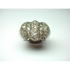 Anello a fascia in platino con brillanti