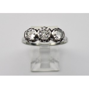 Trilogy diamond ring in platinum