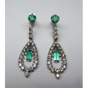 Orecchini pendenti a goccia con smeraldi