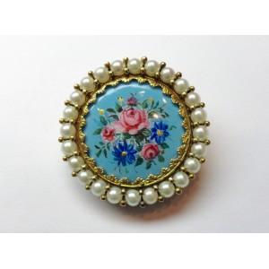 Pendente e spilla con smalti floreali e perline