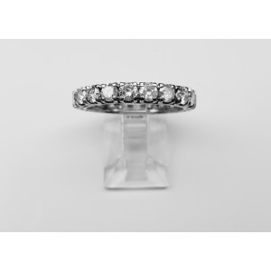 Eternity ring with diamonds in white gold